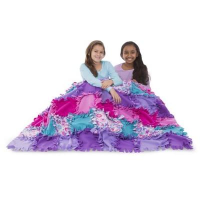 MELISSA & DOUG Flower Fleece Quilt