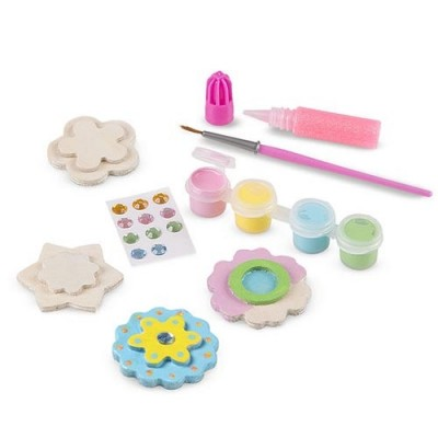 MELISSA & DOUG Created by Me! Flower Magnets Wooden Craft Kit